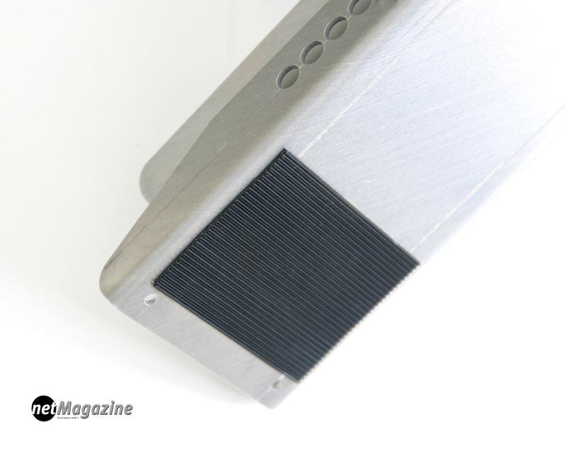 rutschhemmende Gummiauflage auf der Unterseite der Grundplatte