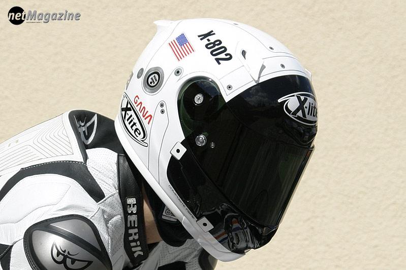 Replica-Helm  des MotoGP Rennfahrers Jorge Lorenzo - Erinnerung an die Mondlandung Anno 1969
